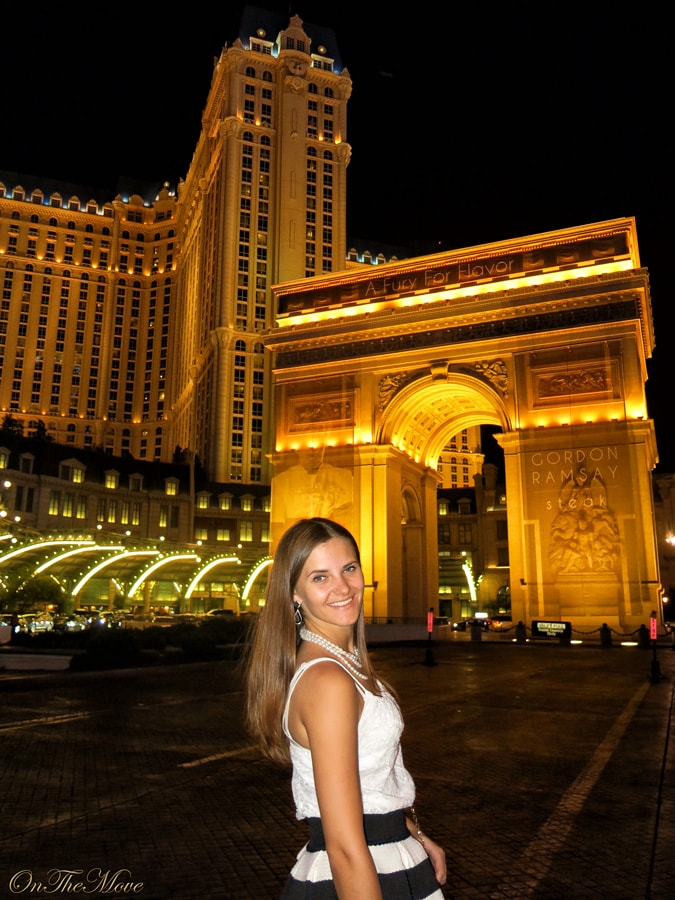 Las_Vegas_Paris_hotel-1
