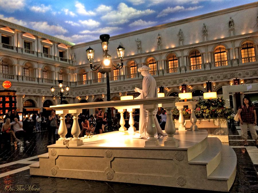 Las_Vegas_Venetian_hotel-1