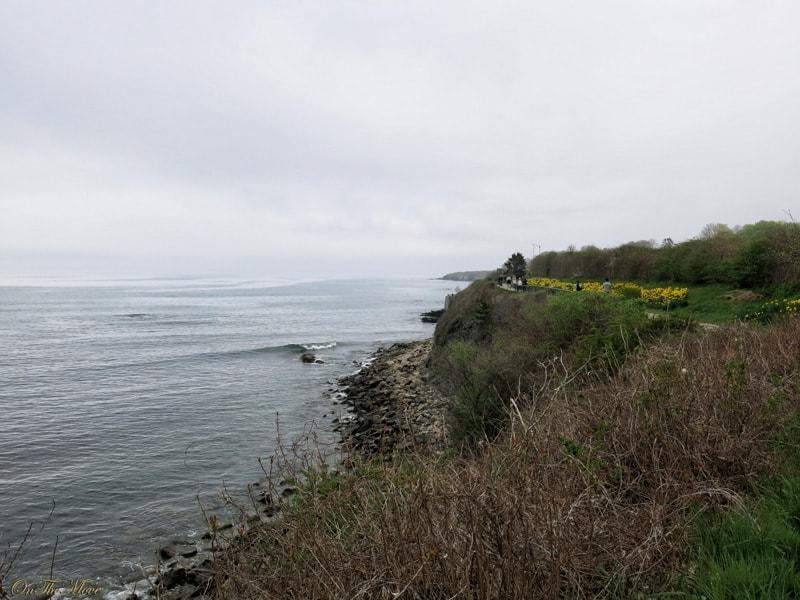 Newport-Rhode_Island-Cliff_walk-2