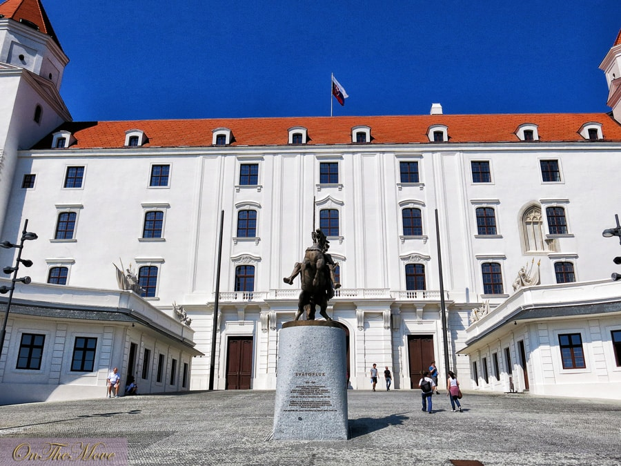 Slovakia-Bratislava_Castle-2