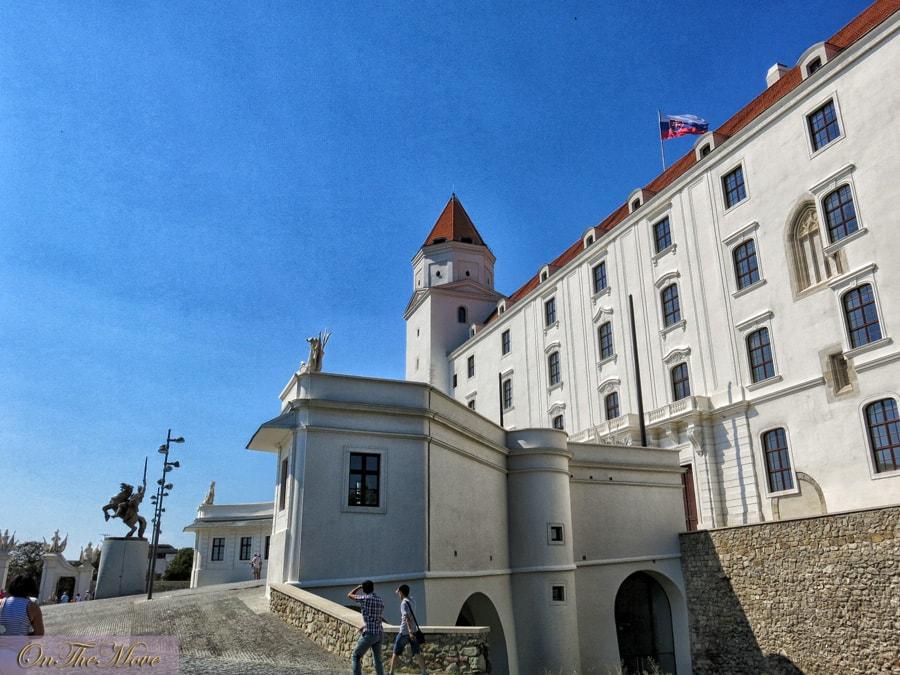 Slovakia-Bratislava_Castle-3