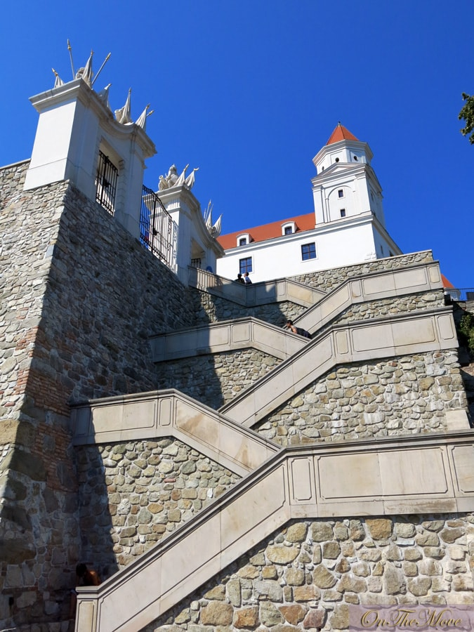 Slovakia-Bratislava_Castle-5