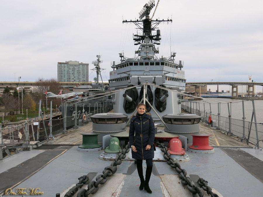 USS_Sullivans-ship
